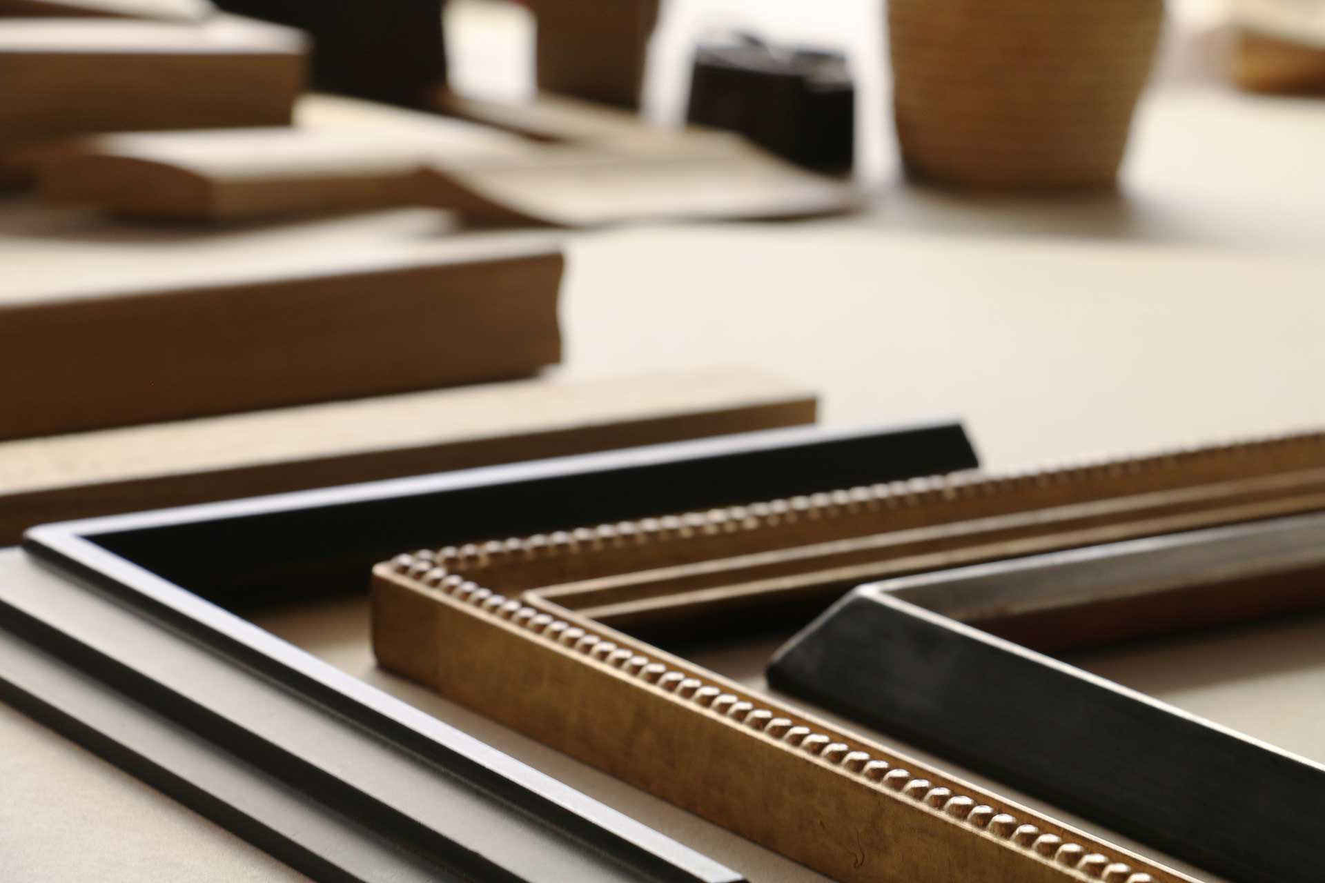 distingu baguette d angle renaa conception. Black Bedroom Furniture Sets. Home Design Ideas